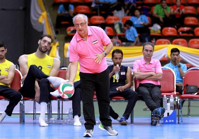 هادی رضایی: والیبال نشسته ایران مقتدرانه قهرمان آسیا - اقیانوسیه شد، گله ای از توزیع جوایز برترین ها بین همه تیم ها نداریم