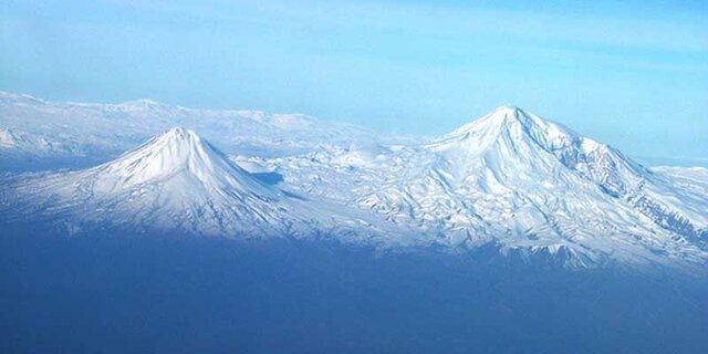 بنر رها شده ایرانی در مرتفع ترین کوه ترکیه