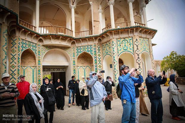 11 سال اورژانسی برای گردشگری ایران، آمارها از راهی پرچالش سخن می گویند